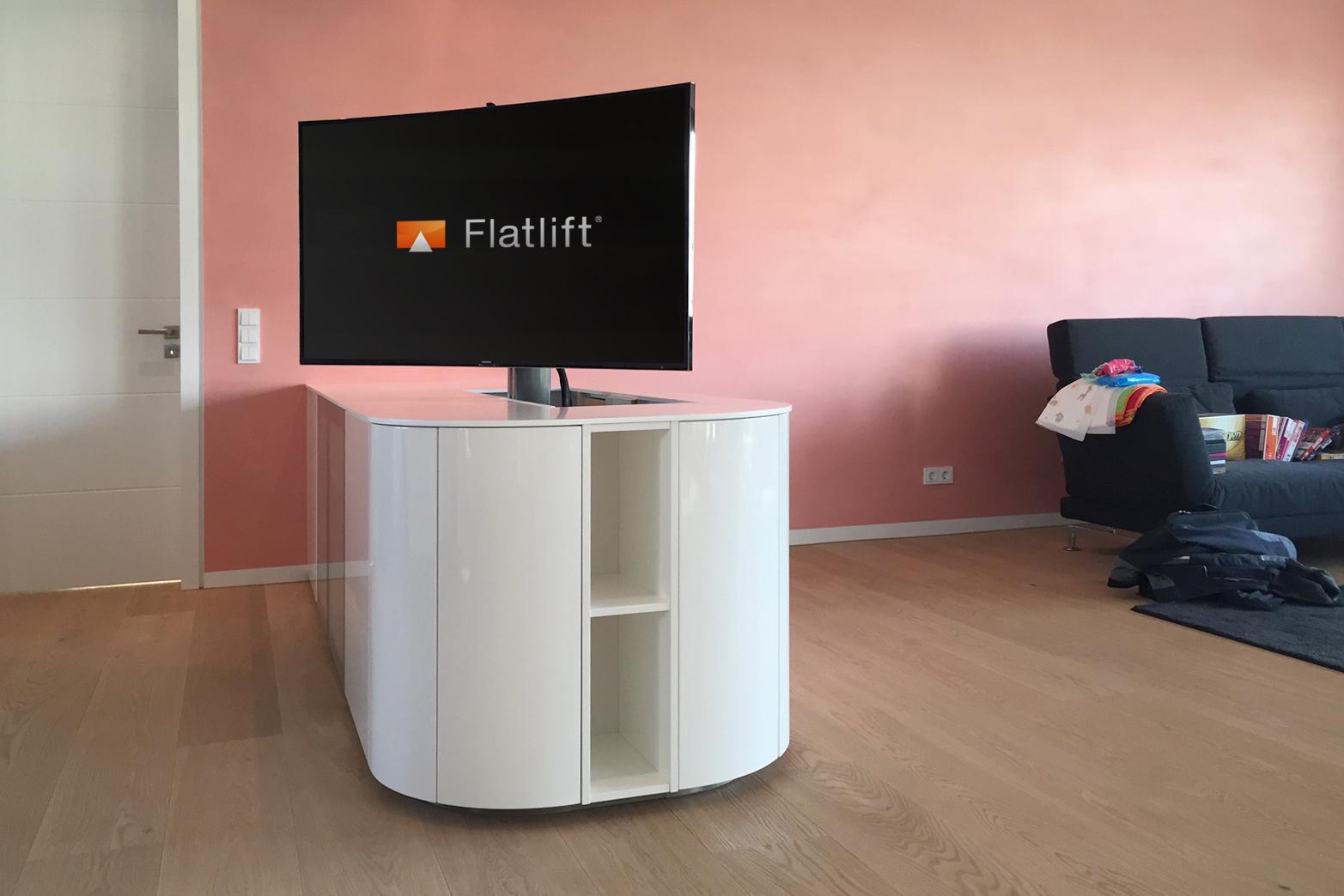 TV Geräte im Wohnzimmer, Esszimmer und Küche verbauen